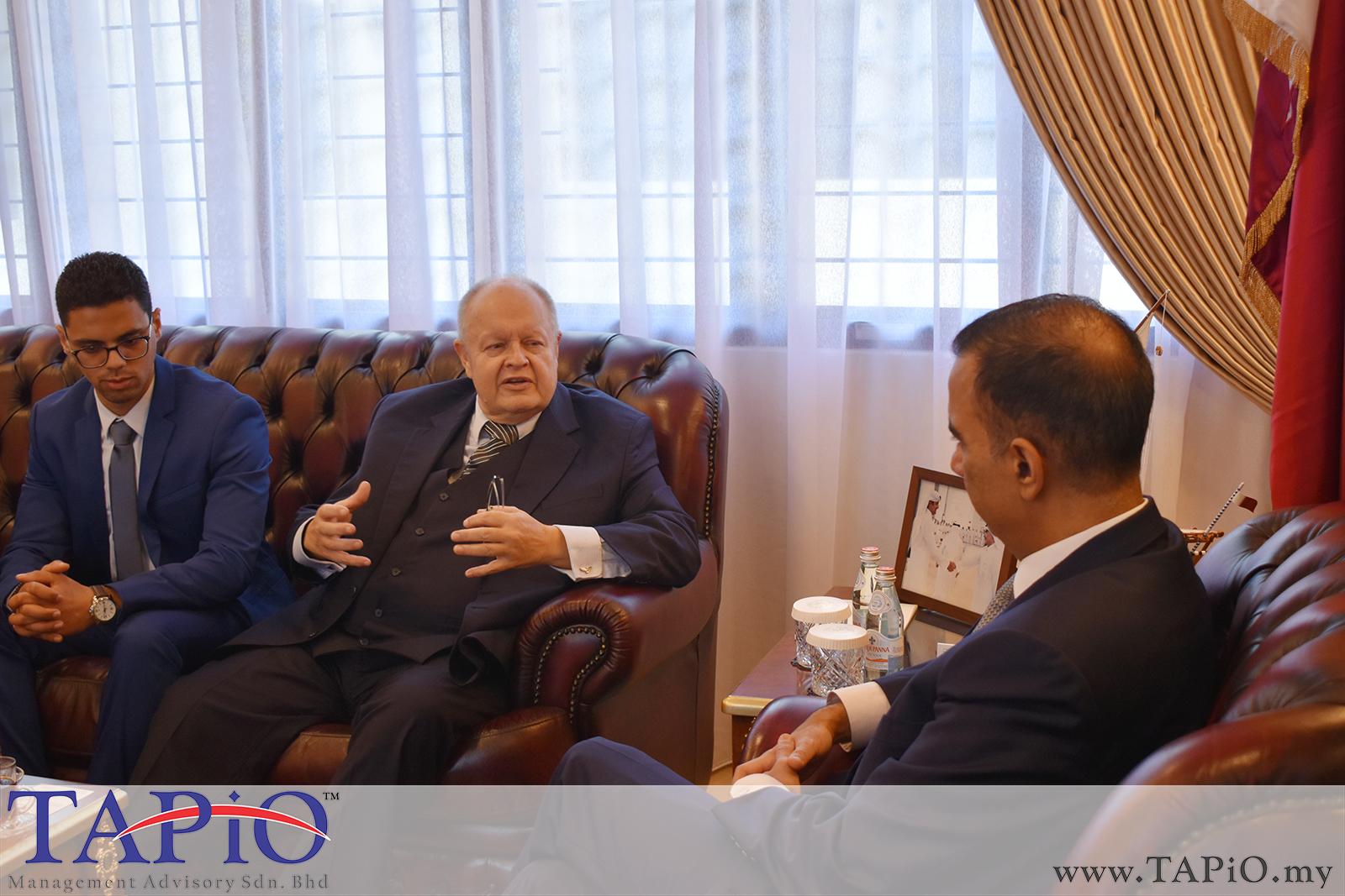 Presentation to the Qatar Ambassador - 01/03/2019 (14)