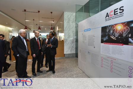 from left to the right: CEO of ECERDC Datuk Seri Jebasingam Issace John, Deputy Minister of International Trade and Industry YB Dr. Ong Kian Ming, General Manager Corporate Strategic Planning Division, General Manager - Business Development at ECERDC Dato' Ragu Sampasivam