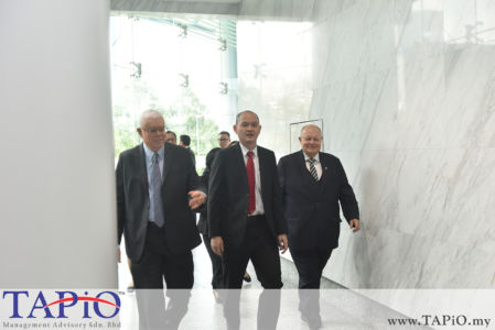 from left to the right: CEO of ECERDC Datuk Seri Jebasingam Issace John, Deputy Minister of International Trade and Industry Dr. Ong Kian Ming, Chairman of TAPiO Management Advisory Mr. Bernhard Schutte