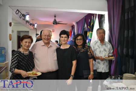 from left to the right: Mrs. Yuko Miyagawa, Chairman of TAPiO Management Advisory Bernhard Schutte, Mrs. Tamara Ann Hardikar, Ms. Jayanthi Menon, Ambassador of Japan H.E. Makio Miyagawa