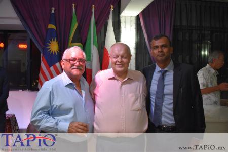 from left to the right: Managing Director - Standard Chartered Bank Mr. Osman Morad, Chairman of TAPiO Management Advisory Mr. Bernhard Schutte, Dato' Ragu Sampasivam