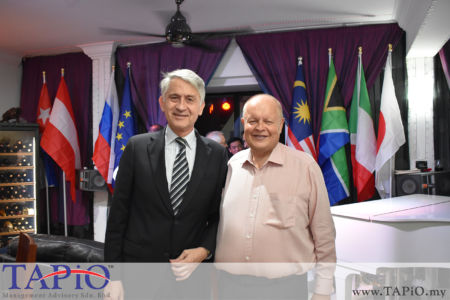 from left to the right: Ambassador of Chile H.E. Rodrigo Perez Manriquez, Chairman of TAPiO Management Advisory Mr. Bernhard Schutte