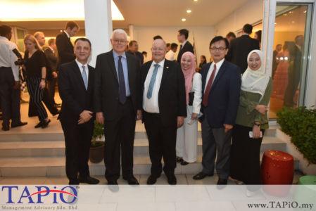 from left to the right: Managing Partner of TAPiO Management Advisory Mr. Thomas Bernthaler, CEO of ECERDC Datuk Seri Jebasingam Issace John, FManager-Investor Management Ms. Farah Diba Nasruddin, Chairman of Malaysia Automotive Institute Datuk Phang Ah Tong, Ms. Ain Aisyah