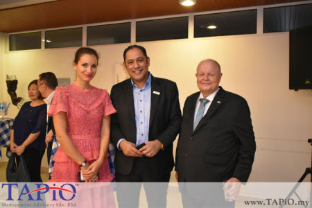 from left to the right: Senior Investment Officer at Malaysian Investment Development Authority-Munich Ms. Silviya Irgyanova, Siemens Malaysia President and Chief Executive Officer Indranil Lahiri, Chairman of TAPiO Management Advisory Mr. Bernhard Schutte