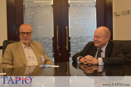 from left to the right: Ambassador of Poland H.E. Krzysztof Debnicki, Chairman of TAPiO Management Advisory Mr. Bernhard Schutte