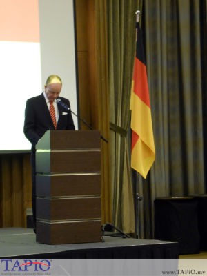 H.E. Mr. Nikolaus Von Der Wenge Graf Lambsdorff, Ambassador of Germany to Malaysia, giving his welcome remarks.