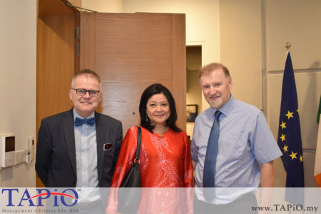 from left to the right: Professor of Family Medicine Perdana University - Royal College of Surgeons in Ireland School of Medicine Prof. Dr. Anthony Cummins, Executive Director of the Asia-Europe Institute and Director of the Centre for ASEAN Regionalism-University of Malaya Prof. Dr. Azirah Binti Hashim, Ambassador of Ireland H.E. Eamon Hickey