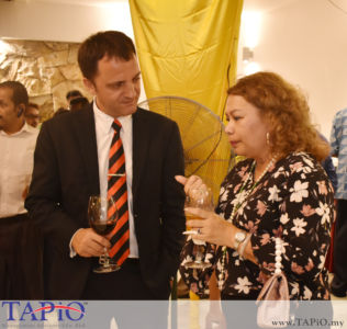 from left to the right: Managing Partner of TAPiO Management Advisory Mr. Thomas Bernthaler, Ms. Feilina S.Y Muhammad Feisol