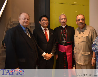 from left to the right: Chairman of TAPiO Management Advisory Mr. Bernhard Schutte, Deputy Minister of Agriculture and Agro-based Industry YB Sim Tze Tzin, Ambassador of Holy See to Malaysia H.E. Joseph Marino, Ambassador of the State of the Palestine H.E. Walid A. M. Abuali