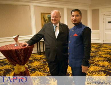 Chairman of TAPiO Management Advisory Mr. Bernhard Schutte with Executive Director of Jejak Karib Sdn. Bhd. Mr. Mohd Farid Uddin Bin Ohab Gazi
