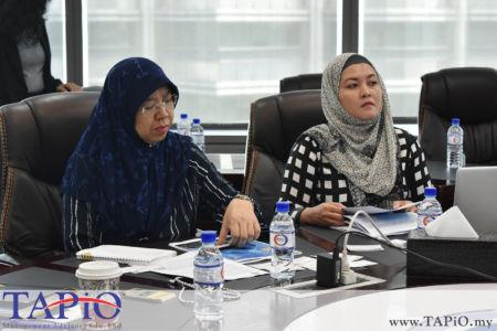 Executive Vice President from Asia Logistics Ms. Fauziah Johari with Asia Logistics Office Manager