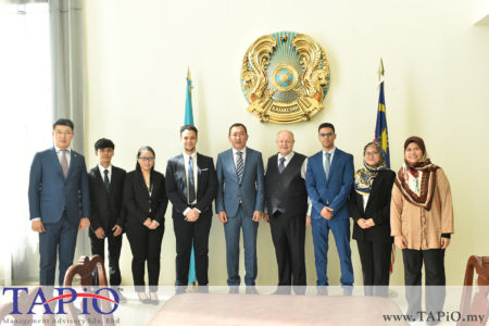 from left to the right: Third Secretary of the Embassy of Republic of Kazakhstan Mr. Birzhan Dulatbekov, Mr. Ming, Ms. Carmen Lee, Mr. Selim, Ambassador of the Republic of Kazakhstan H.E. Daniyar Sarekenov, Chairman of TAPiO Management Advisory Mr. Bernhard Schutte, Mr. Oussama Boudmarh, Ms. Nur Afrina, Ms. Hayati