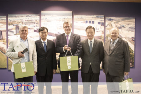 from left to the right: Trade & Investment Counselor (Hub. Brussels/Brussels Exports) Mr. Rudi Mertens; Chairman of PKFZ Mr. Chan Leng Wai; Ambassador of Belgium to Malaysia H.E. Pascal H. Grégoire; Chief Executive Officer Dato' Ong Chong Yi; Chairman of TAPiO Management Advisory Mr. Bernhard Schutte