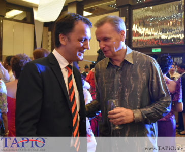 from left to the right: Managing Partner of TAPiO Management Advisory Mr. Thomas Bernthaler, Commercial Counsellor of Austria Mr. Werner SOMWEBER