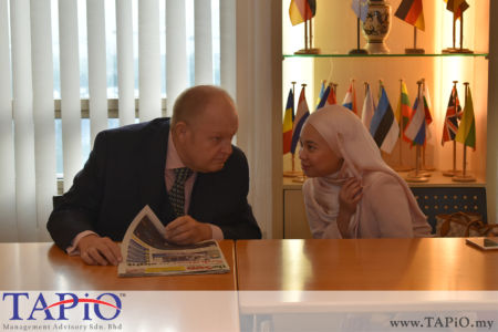 from left to the right: Chairman of TAPiO Management Advisory Mr.Bernhard Schutte, Manager-Investor Management Ms. Farah Diba Nasruddin