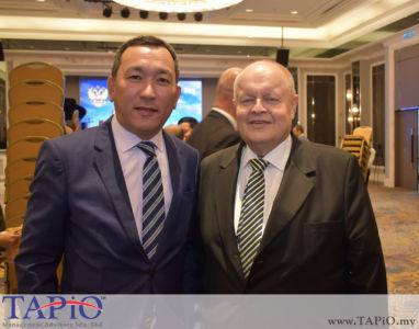 from left to the right: Ambassador of Kazakhstan H.E. Daniyar Sarekenov, Chairman of TAPiO Management Advisory Mr. Bernhard Schutte
