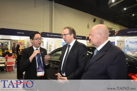 from left to the right: General Manager of HappyWater Mr. Heng Siang Tan, Chief Executive Officer of EU-Malaysia Chamber of Commerce and Industry Mr. Roberto Benetello, Chairman of TAPiO Management Advisory Bernhard Schutte