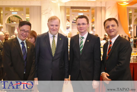 from left to the right: General Manager of HappyWater Mr. Heng Siang Tan, Ambassador of Ireland H.E. Eamon Hickey, Minister of State for Finance, Public Expenditure & Reform Mr. Patrick O'Donovan TD, Managing Partner of TAPiO Management Advisory Mr. Thomas Bernthaler