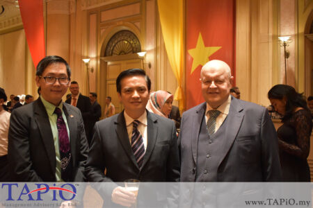 from left to the right: General Manager of HappyWater Mr. Heng Siang Tan, Ambassador of Philippines H.E. Charles C. Jose, Chairman of TAPiO Management Advisory Mr. Bernhard Schutte