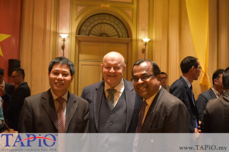from left to the right: Ambassador of Vietnam H. E. Le Quy Quynh, Chairman of TAPiO Management Advisory Mr. Bernhard Schutte, Director of Economic & Industry Development Division, Malaysian Palm Oil Board Mr. Balu Nambiappan