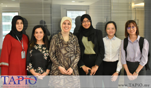 from left to the right: PA to the Ambassador Ms. Ayşe Uzundemir, Commercial Counsellor at the Turkish Embassy Kuala Lumpur Ms. Elif Haliloğlu Güngüneş, Ambassador of the Republic of Turkey to Malaysia H.E. Dr. Merve Kavakci, Ms. Azzahra, Ms. Chia Jing, Ms. Shue Sheu Pua