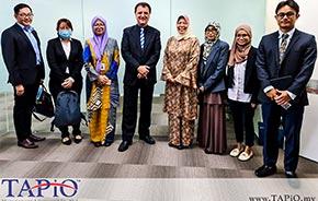 diplomats group photo